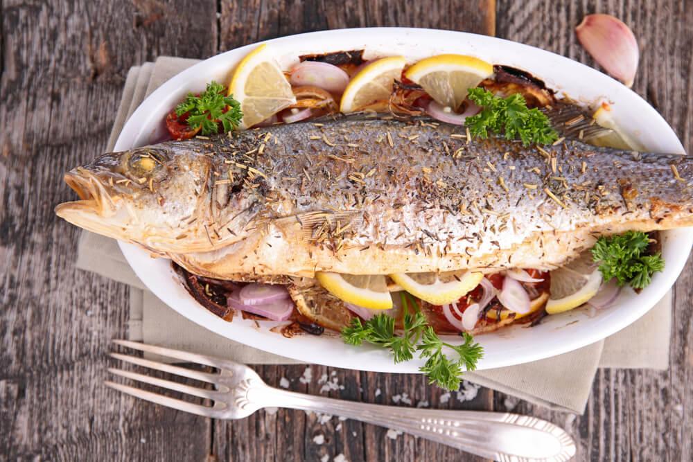 فوائد تناول سمك السلمون المخبوز.