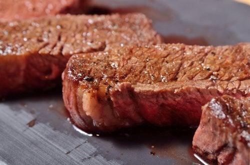 يستريح اللحم المشوي