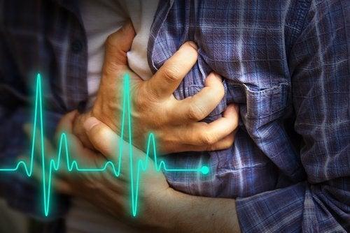 اتباع نظام غذائي صحي للوقاية من المرض.
