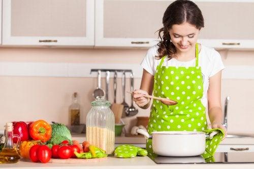 13 حيلة للمطبخ ستجعلك ترغب في الطهي أكثر