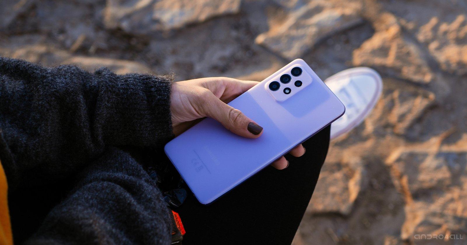ظهر هاتف Samsung Galaxy A52 5G باللون الأرجواني