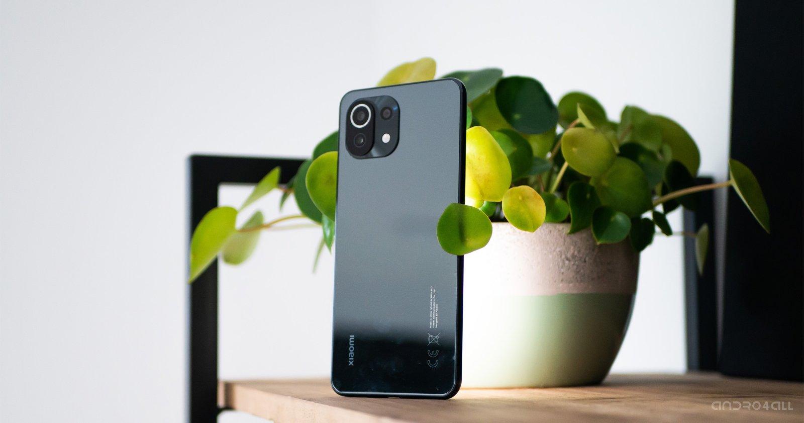 Xiaomi Mi 11 Lite باللون الأسود