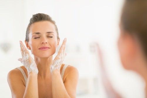 تطهير الوجه