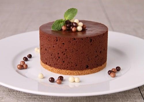 وصفة موس الشوكولاتة محلية الصنع.