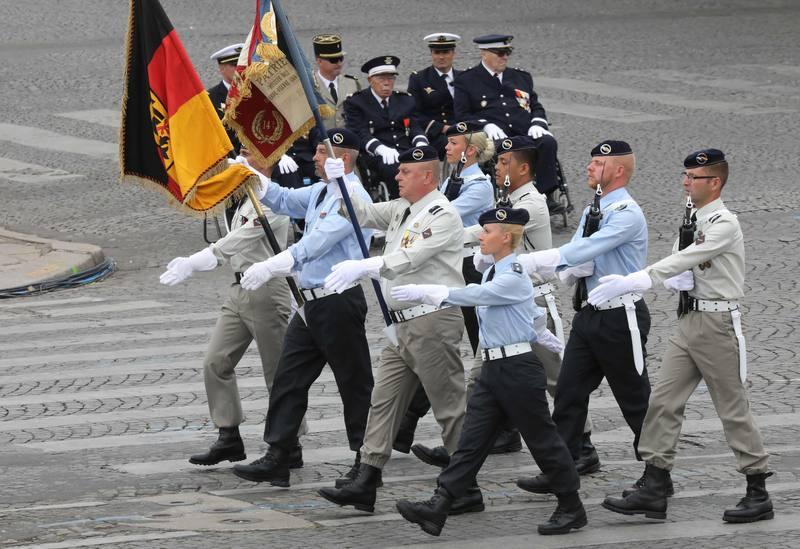 جنود اللواء الفرنسي الألماني. AFP لودوفيك مارين