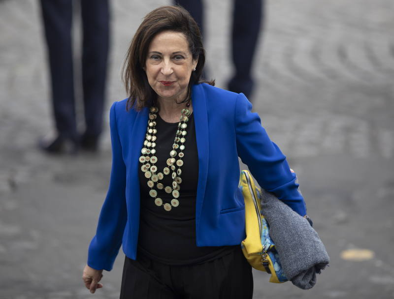 مارغريتا روبليس وزيرة دفاع اسبانيا. EFE إيان لانجستون
