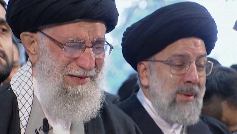 عدة مرات مرات في جامعة طهران.